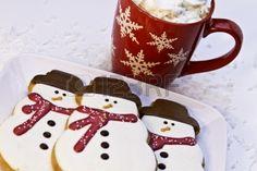 16510068-christmas-decorate-snowmen-cookies-on-white-plate.jpg 450×300 pixels