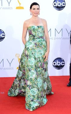 Julianna Margulies wearing a floral gown designed by Giambattista Valli at the 64th Annual Primetime Emmy Awards. #fashion #Emmys #thegoodwife