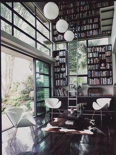 Sweet library/study + bookshelves. Modern design done right. #kathykuohome #covetlounge @covetlounge