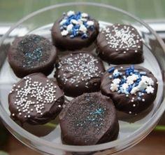 Chocolate Covered Hanukkah Oreos