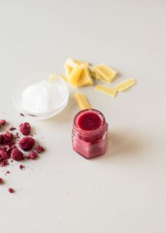 DIY: all-natural tinted lip balm with raspberries