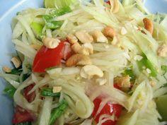 Som Tum (Thai papaya salad) thai papaya, tum thai, papaya salad, som tam, som tum, thai som, salads