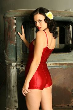 Lady in red. Pin up, Pinup, Pin-up.
