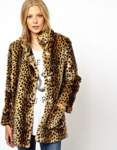 { animal print faux-fur coat }