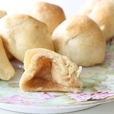 Marshmallows dipped in melted butter, then cinnamon sugar, wrapped in crescent rolls and baked. Theyre called Hocus Pocus buns because the marshmallows disappear! YUM is understatement!
