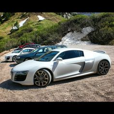 quattroroads | 2 Audi R8 #r8trip = bR8otherhood V8 V10 Passo Gardena Italy