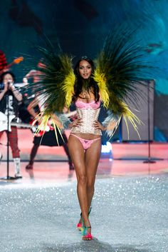 Victoria's Secret Fashion Show 2013|  Runway