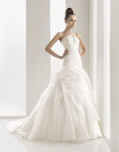 Aire Barcelona Bridal Gown Style - Naron