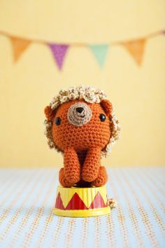 The Runaway Menagerie: Lion | crochet today