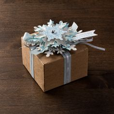Top #presents, embellish cards, create a wintery #garland, or trim the tree with our Festive Flurry Ornament Kit! #snowflake #giftwrap