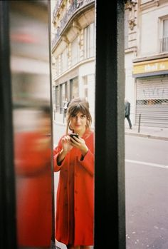 Paris | red coat | jeanne damas