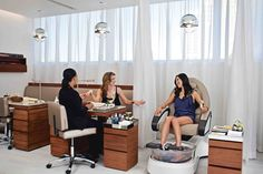 What things to look for when choosing a pedicure salon: http://ctfootcare.blogspot.com/2014/06/getting-pedicure-look-for-these-things.html