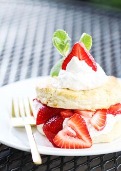 The 12 Best Summer Desserts // white chocolate strawberry shortcake