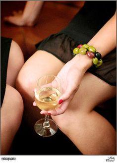 Bracelet d'olives : (argile de polymère) : La Fille du Consul,   Photo : Rachel Osowiecki,   DA: Laetitia Sauvaget, Sml Roche,