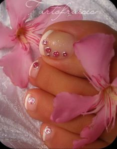 Nothing looks cleaner and fresher than a french pedi! Pretty