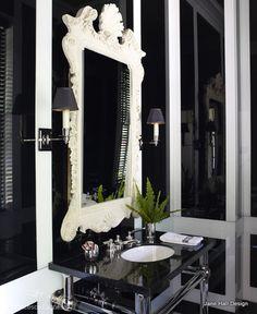 Regency Redux bathroom in Black and White