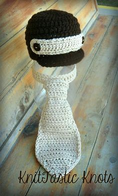 Newborn Necktie and Newsboy Hat free pattern from KnitTastic Knots on Ravelry