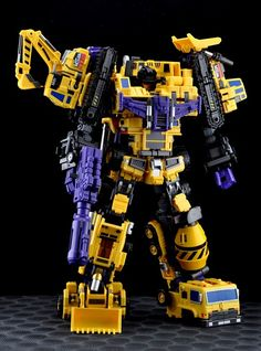 Maketoys Giant Yellow version aka Devastator