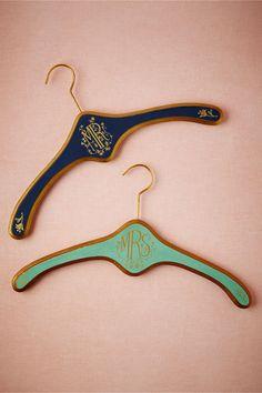 Heirloom hangers: pretty & personalized