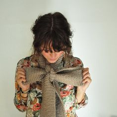 i want this. bow scarf.
