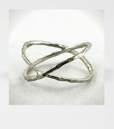 Crossing Ring in sterling silver.