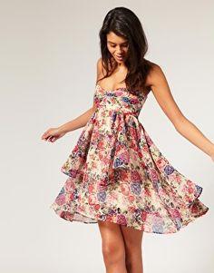 Super cute summer dress - WANT!