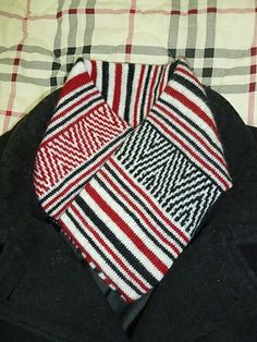 Italian stitch and Stripe Cowl by Iris Wong