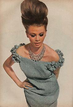 1960's fashion photo July 1963 Vogue