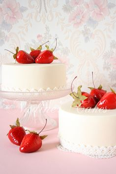 cakes and strawberries - food sweet things