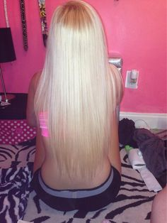 long blonde hair<3