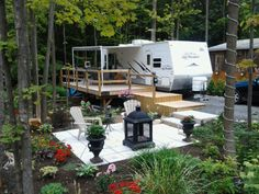 Awesome rv deck and campsite landscaping ideas for our for Rv outdoor decorating ideas