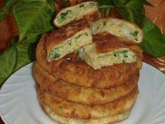 сырные лепёшки с зелёным луком и яйцом