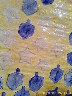 Personalized #Hanukkah Wrapping Paper | momstown arts and crafts