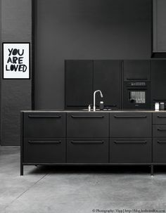 inspiring & stunning black kitchen