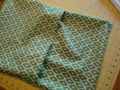 Envelope Pillow - great tutorial