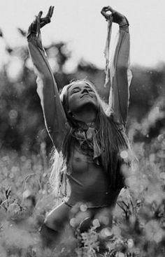 freedom | joy | expression | free | naked in nature | boho | hippy | bohemian | field |