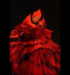 Grace Jones wears Philip Treacy  - pinned by RokStarroad.com ~ unleash your inner RokStar - fashion, pop and mental health