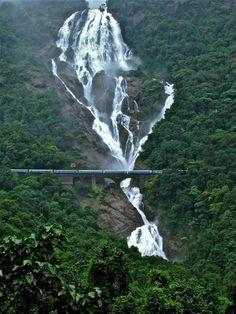 #Amaravathi #Express passing through #Dudhsagar_Falls, #India. #falls #amazing_falls #hd_wallpaper #train #wallpaper. http://www.alliswall.com/