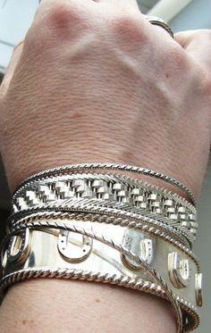 horseshoe bracelet by @DesignsbyShelagh