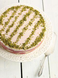 Almond Corner: Rhubarb-Quark Mousse Cake