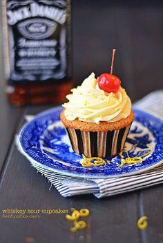 Whiskey Sour Cupcakes #cupcakes #cupcakeideas #cupcakerecipes #food #yummy #sweet #delicious #cupcake