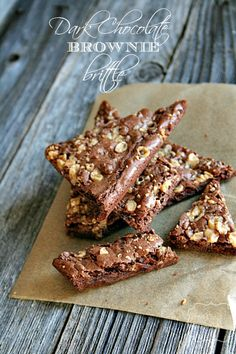 Toffee Brownie Brittle! Looks amazing! #dessert #brownies