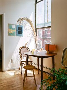 thingswepass:  Ana Kras' NY apartment.