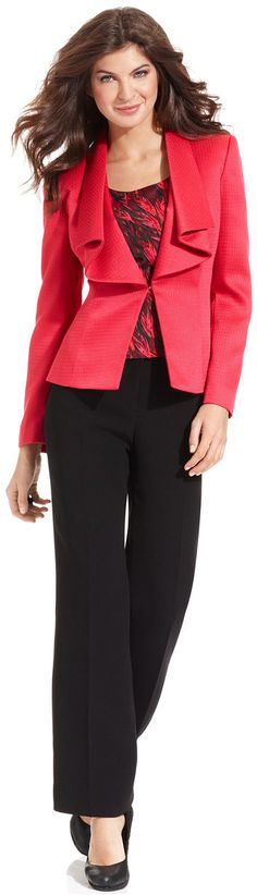 Colorful pops for a casual but professional look in a suit | UTDallas JSOM Career Management Center