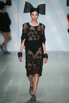 I was getting a little worried that the Sibling S15 RTW show didn't have any crochet in it... but don't worry, it did!