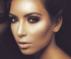 How to contour your face (in detail)