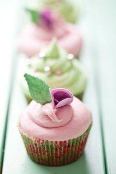 Lavender Vegan Cupcake Recipe - my AKA daughter would love this!