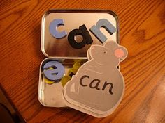 Together Time 4 Families: 2 Word Wall Activities for Preschoolers and Kindergarten  *and ideas for observations of students' literacy level....