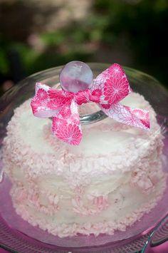 Such a cute little cake