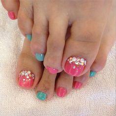 turquoise & pink summer pedicure toe nail art w/ rhinestones